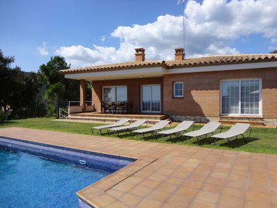Photo for VILLA MAS SANTET, WITH PRIVATE POOL AND GARDEN, WIFI, PARKING