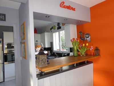 Photo for Nice house with enclosed garden between Vannes and Séné