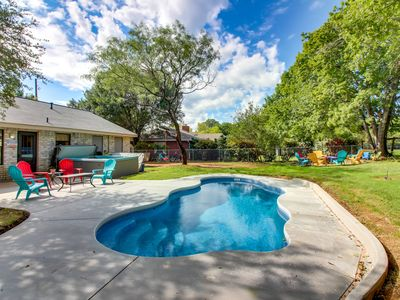 Photo for Cozy, colorful home w/ private hot tub, patio space, firepit, and more