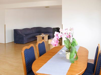 Photo for Lovely apartment for 6 guests with WIFI, A/C, TV, balcony, pets allowed and parking