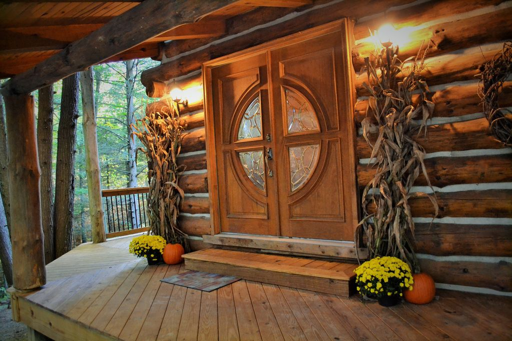 Secluded Cabin In The Woods Of Pennsylvania Centerville