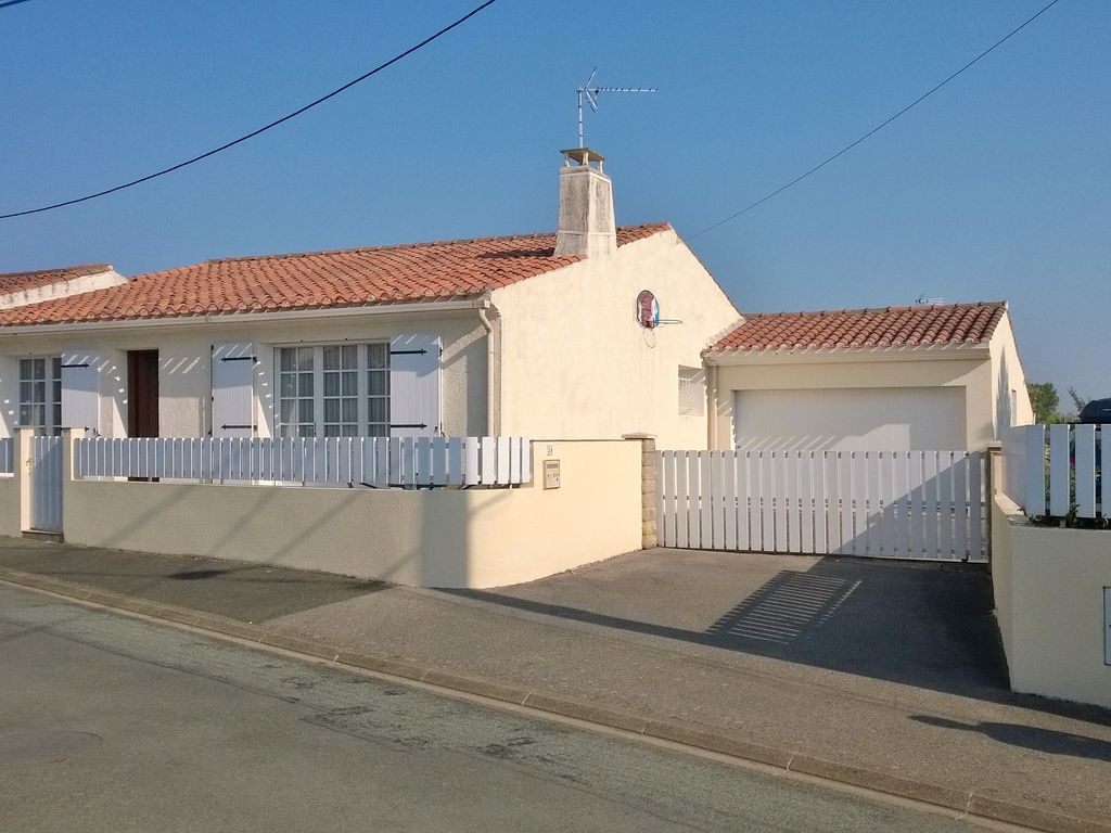 Les Sables D'Olonne 3 Bedroom Holiday Home