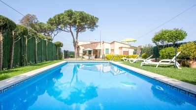 Photo for Villa with pool and private garden located in Esclanyà