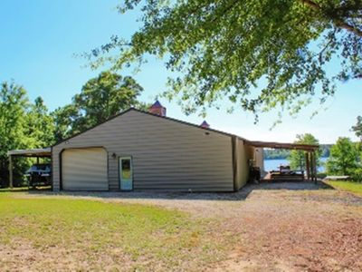 Photo for Sleeps 16 *Boat Ramp*Private*large Game Room with games *Internet*Check Us Out