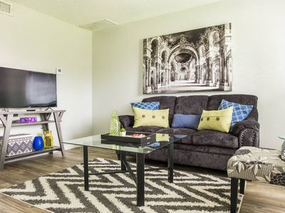 Photo for UPDATED & STYLISH 1BR APT NEAR PEARL W/ PARKING