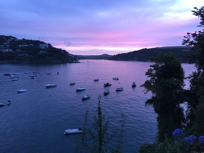 Photo for 2 Bedroom with parking, 3 min walk to South Sands Beach, Salcombe
