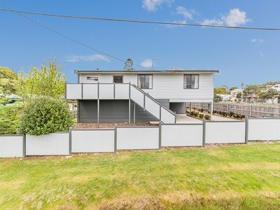 Photo for 12 Barramundi Avenue, Smiths Beach