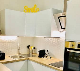Photo for Apartment-Yellow lemon tree-Comfort-Ensuite with Bath-Street View
