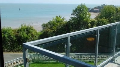 Photo for Apartment in the center of Tenby with Parking, Washing machine (689695)