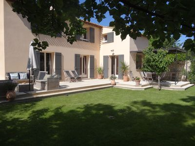 Photo for At 5 minutes from Avignon, large house with pool in enclosed garden