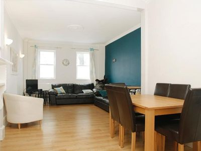 Photo for Lovely modern flat in Clapham Junction, just 10 mins to Central London