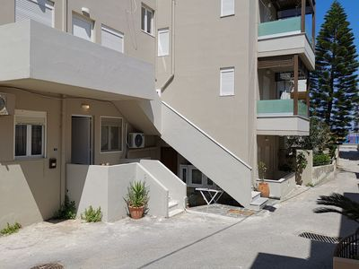 Photo for Apartment, Rethymno, 4 guests, 50m from the Beach & All Amenities, No car Needed