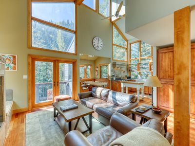 Photo for Modern mountain home w/ a balcony, fireplace, & gas grill. Bus to slopes!