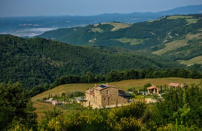 Photo for 5 bedroom Villa, sleeps 9 in Trevinano with Pool and WiFi