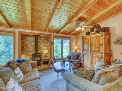 Photo for Walk to lifts! Cozy penthouse w/ terrific views & shared pool, hot tub, sauna!
