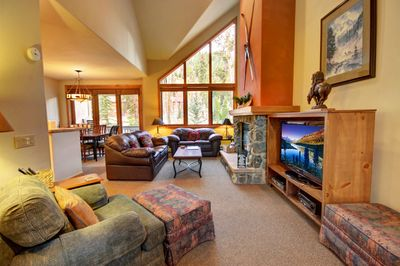 Oversized living room with plenty of space for the whole family