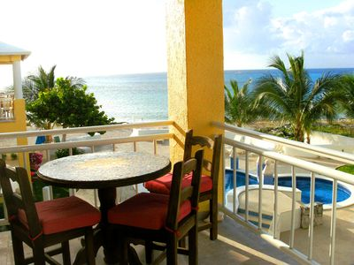 Photo for Beachfront Condo - Sandy Beach with Great Snorkeling!