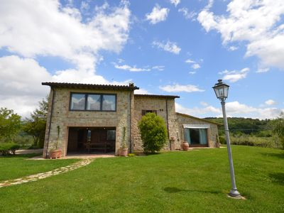Photo for Villa Le More - Holiday villa with pool and wellness area, Umbria, Italy