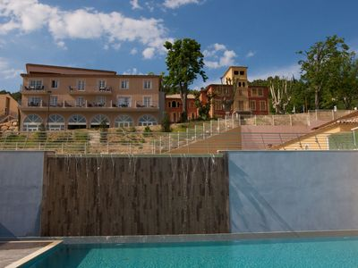 Photo for Attractive apartment with pool and spa on a spacious park near Callian