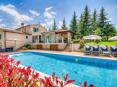 Photo for Villa with big garden and pool near Motovun