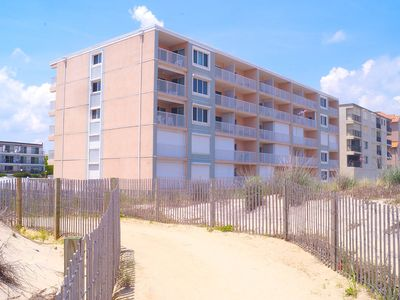 Photo for Barefoot Country 304-Oceanfront 138th St, WIFI, Elev, W/D, AC