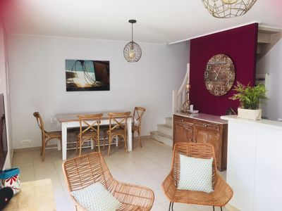 Photo for House with south plain courtyard in La noue
