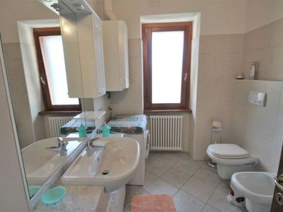 Photo for Apartment Ghiano in Pianello Lario - 4 persons, 1 bedrooms