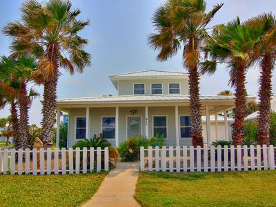Photo for Newly Remodeled 3BR Home, Walk to Beach, Community Pool