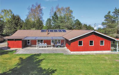 Photo for 6 bedroom accommodation in Fårevejle