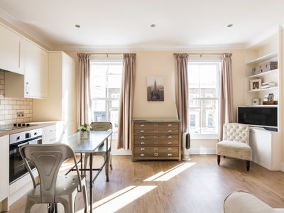Photo for 1BR Apartment Vacation Rental in Fulham, England