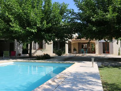 Photo for Superb villa near Avignon 4 bedrooms swimming pool large garden