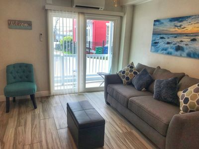 Photo for Beautiful Apartment with patio - Minutes from Riverwalk & Pearl (Apartment No.4)