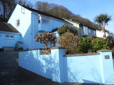 Photo for Spacious Holiday Home Sleeps 8 Free WiFi Dog Friendly Large Garden Sea Views