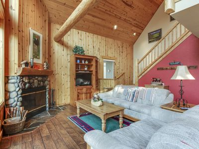 Photo for Rustic and charming home on golf course w/shared pool, hot tub, & tennis courts