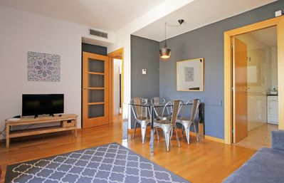 Photo for ENTENZA 98 INTERIOR - Two Bedroom Apartment, Sleeps 6