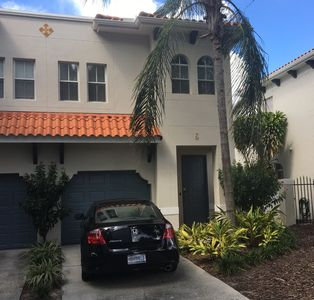 Townhome Prime Location | SoHo | WIFI | Parking