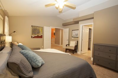 Large master with king bed, chaise lounge, ensuite & walk in closet