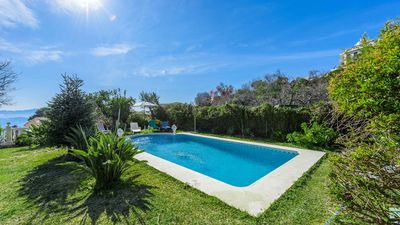 Photo for Beautiful villa with nice garden, in the town of Casarabonela