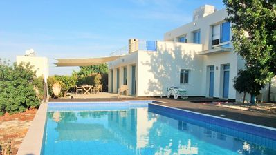 Photo for Executive 3 Bedrooms, Private Pool, BBQ, WiFi, Satelite TV, close to village