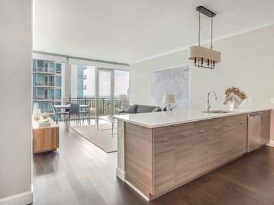 Photo for BUCKHEAD HIGH-RISE UNIT WITH BREATHTAKING CITY VIEWS