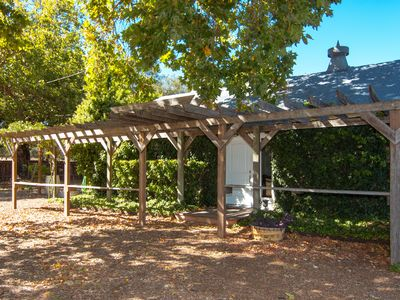 Photo for Healdsburg Quintessential Wine Country Cottage