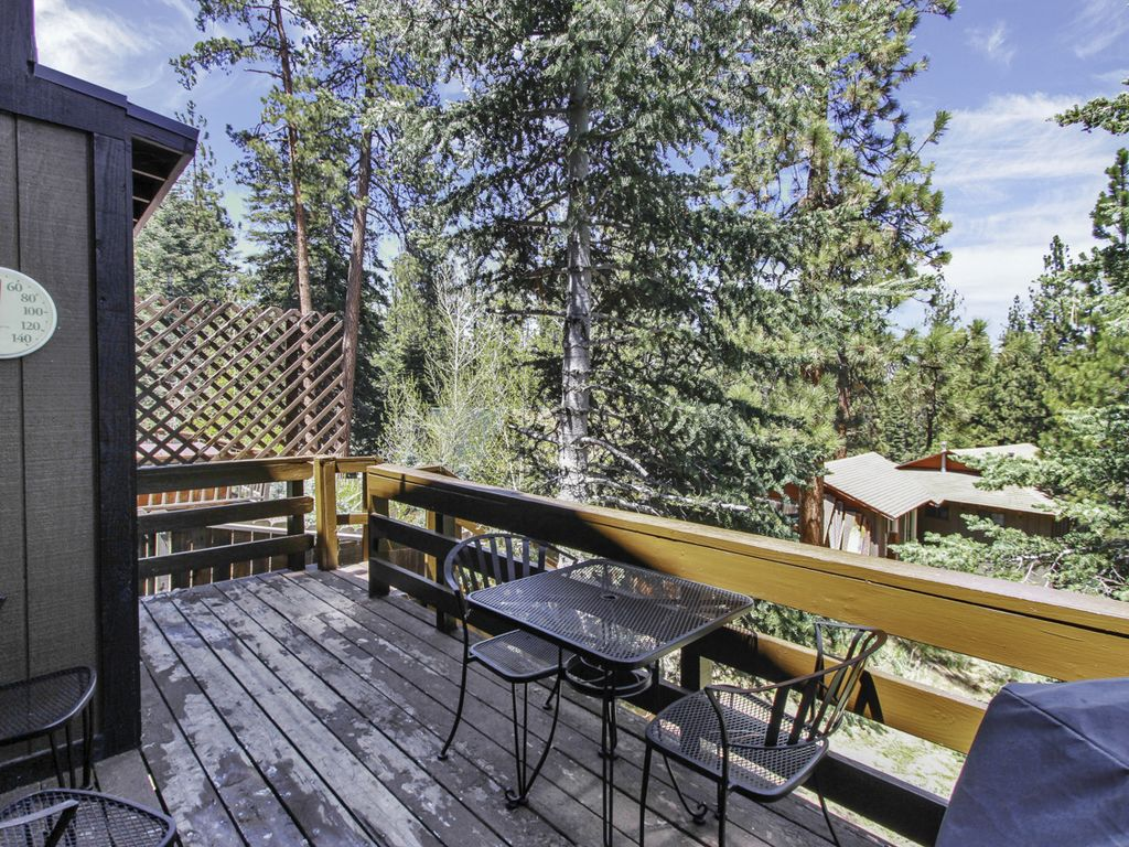 Affordable family friendly upgraded cabin walk to bear for Usmc big bear cabins