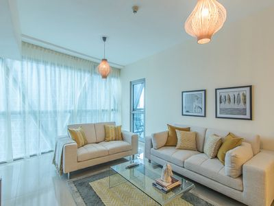 Photo for Spacious 1 BR Park Tower A DIFC 506