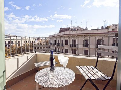 Photo for Classic Spanish Apartment in the golden neighborhood - B347