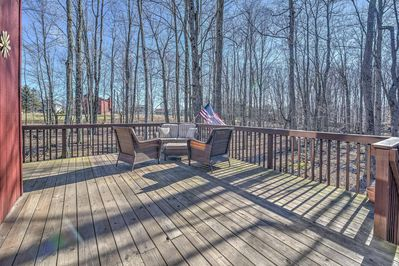 Enjoy spending lounging on the deck grilling and enjoying the forest views.