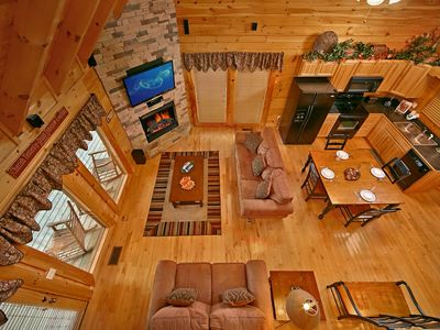 Merveilleux 2 Bedroom Cabin   Bear Hug   Beautiful 2 Bedroom Cabin, Located In Pigeon  Forge, TN. This Bear Creek Crossing Cabin Is Available For Your Familyu0027s  Vacation.
