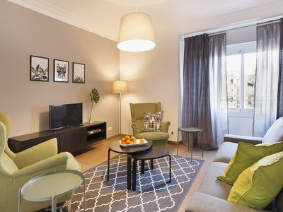 Photo for Perfect 4bed in trendy BCN Eixample 4min to tube