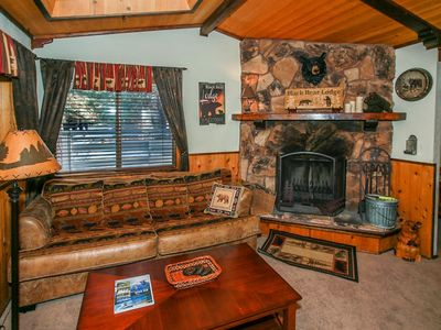 Photo for MOOSE INN~Equipped & Cozy Moonridge Retreat~