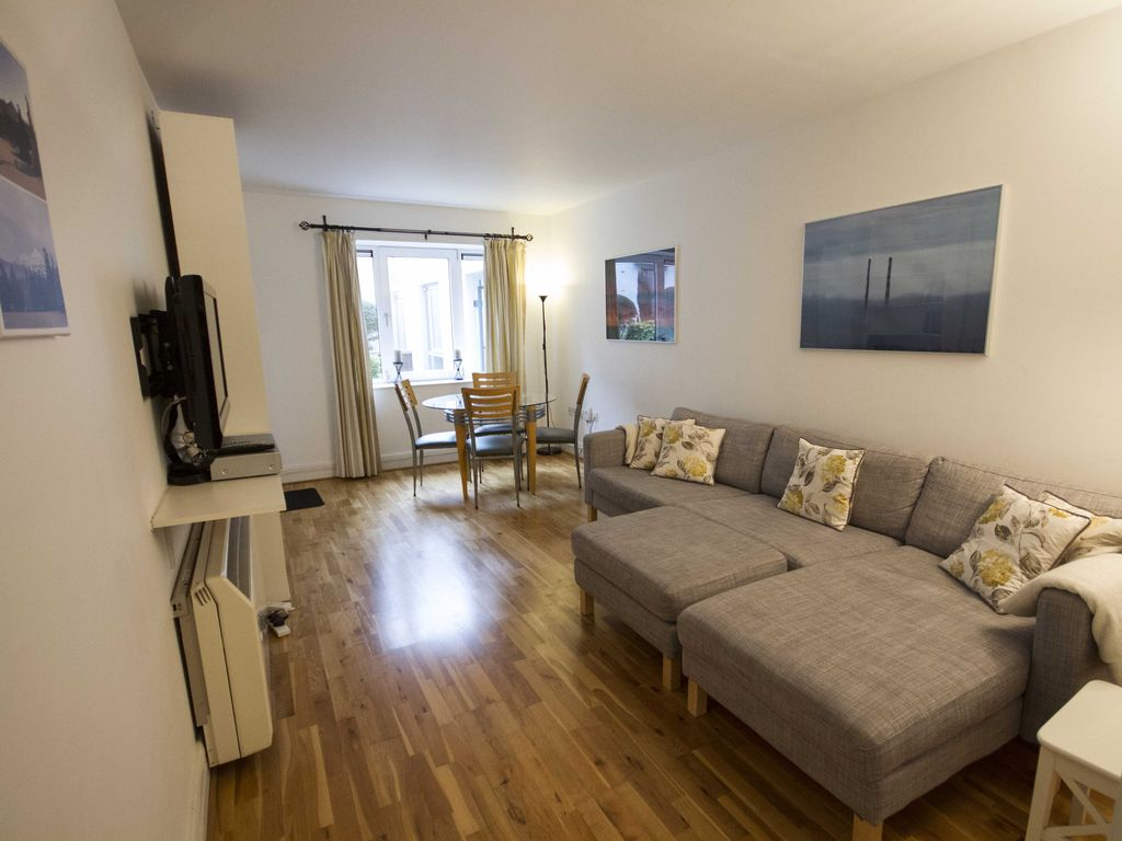 Wood Quay Apartment Rental   Seating/dining Area In Lounge