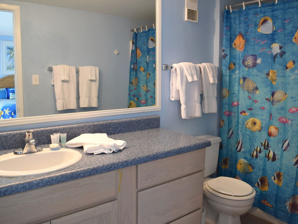 starboard village 321 gulf front 4 bed vrbo bedroom 2 s bath has a tub shower combo